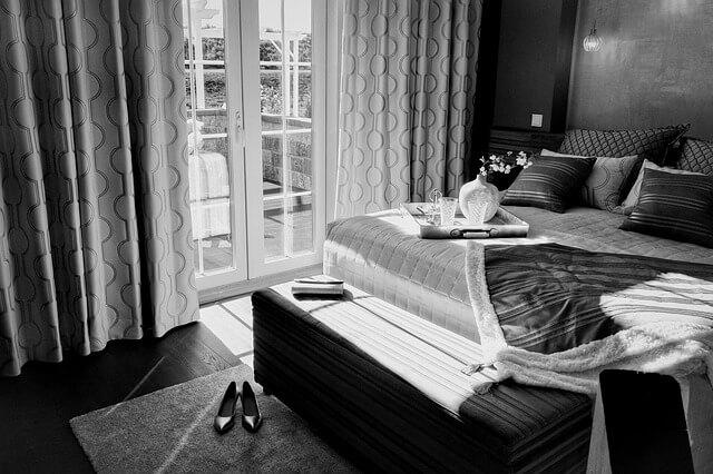 Jakie wyróżnia się sposoby na wyregulowanie drzwi balkonowych oraz zewnętrznych?