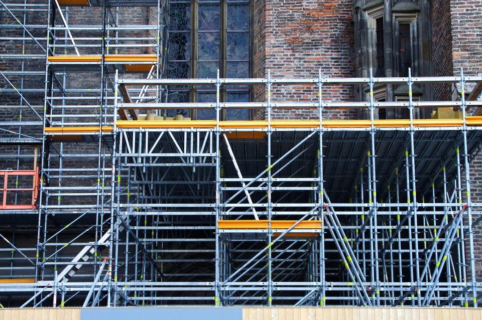 Prowadzenie firmy budowlanej w Warszawie. Jakich błędów unikać i o czym pamiętać, by odnieść sukces