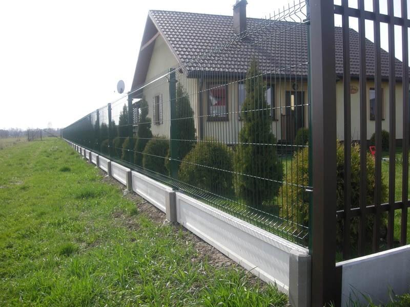 Ogrodzenia panelowe z podmurówką betonową