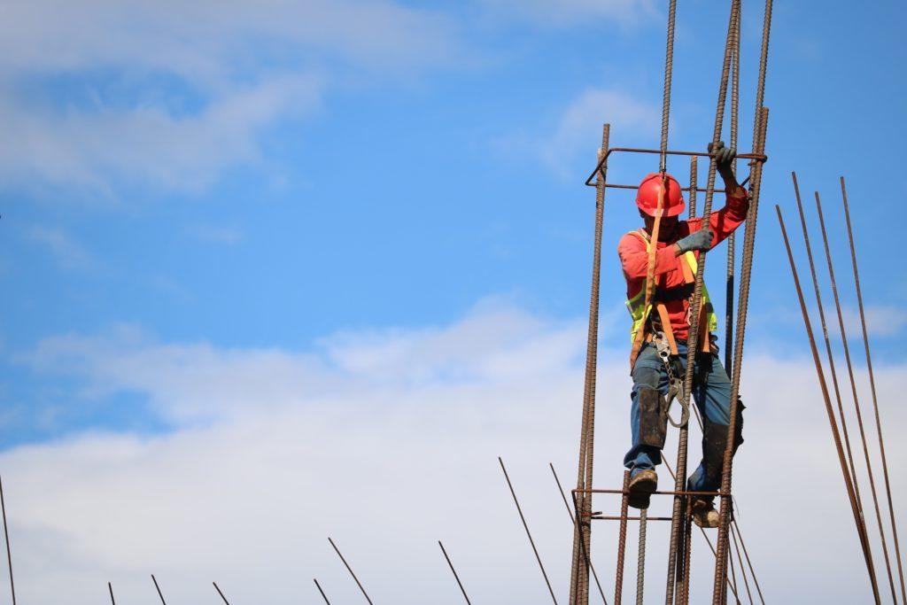 Bezpieczeństwo podczas pracy – nasza szeroka oferta produktów BHP
