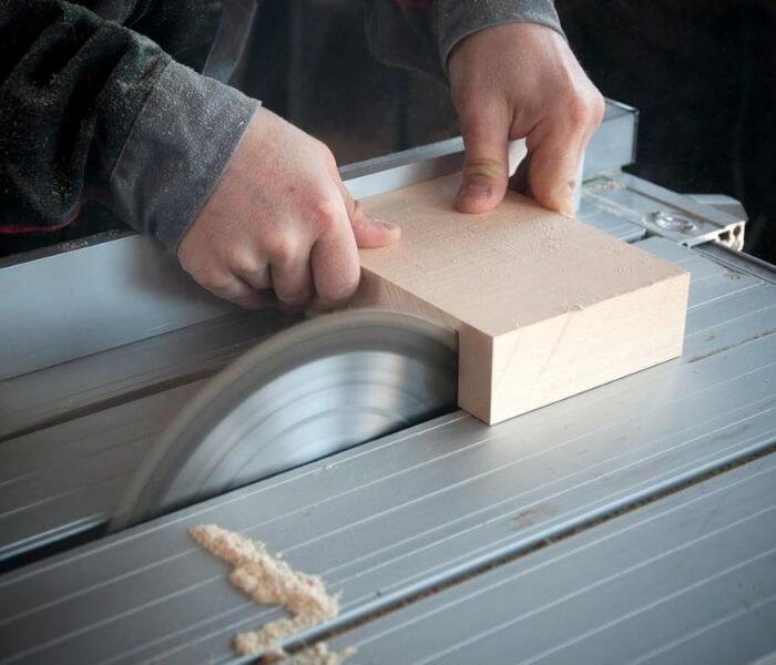 Krótko o piłach do drewna – dla laika i profesjonalisty