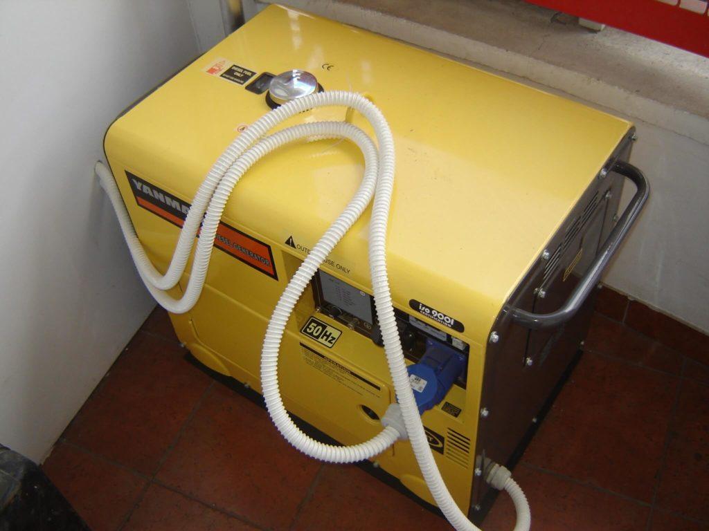Awaryjny agregat prądotwórczy do domu – jak wybrać, by nie martwić się awarią prądu?